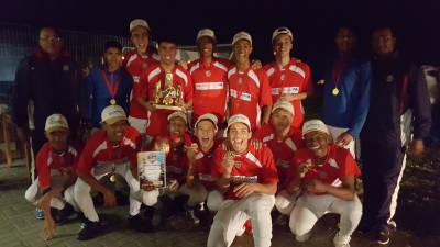 b2ap3_thumbnail_Soccer-East-London-boys-medals.jpg